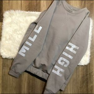 Women's Lululemon sweater size 8